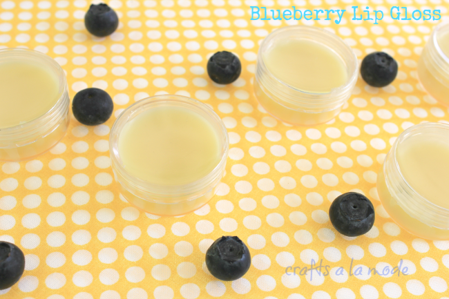 DIY coconut oil lip gloss