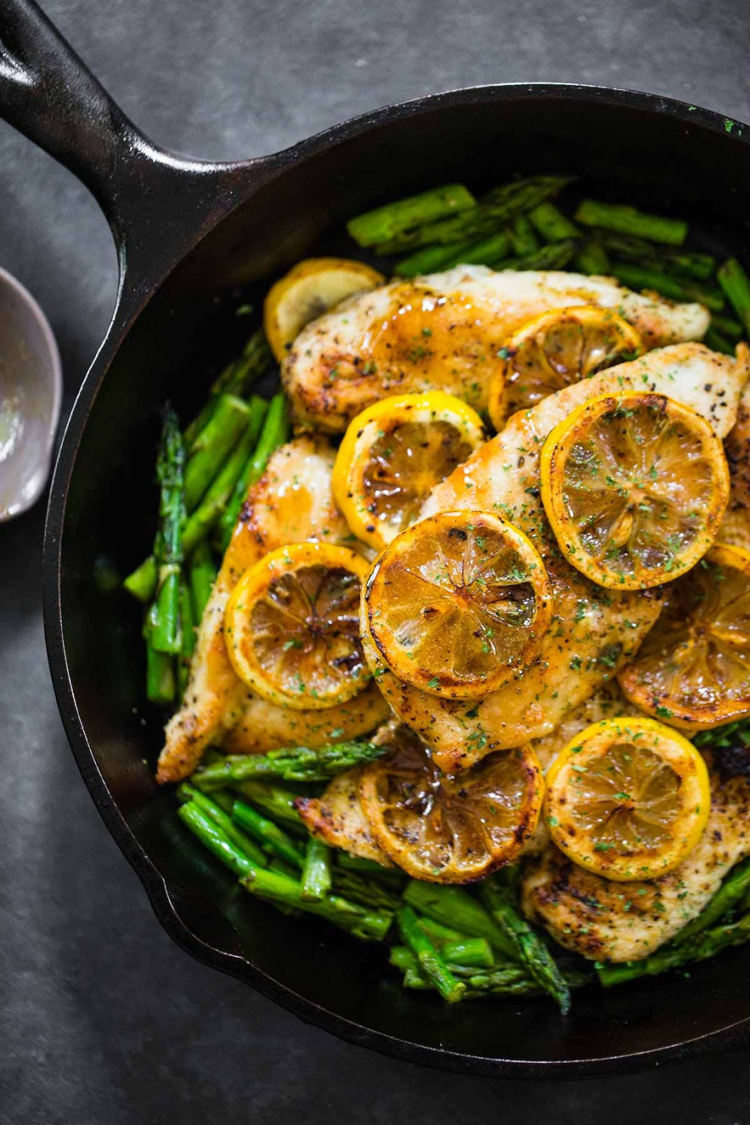 #Recipe : Lemon Chicken with Asparagus