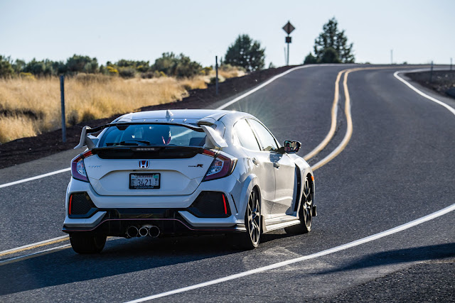 2017 Honda Civic Type R  rear
