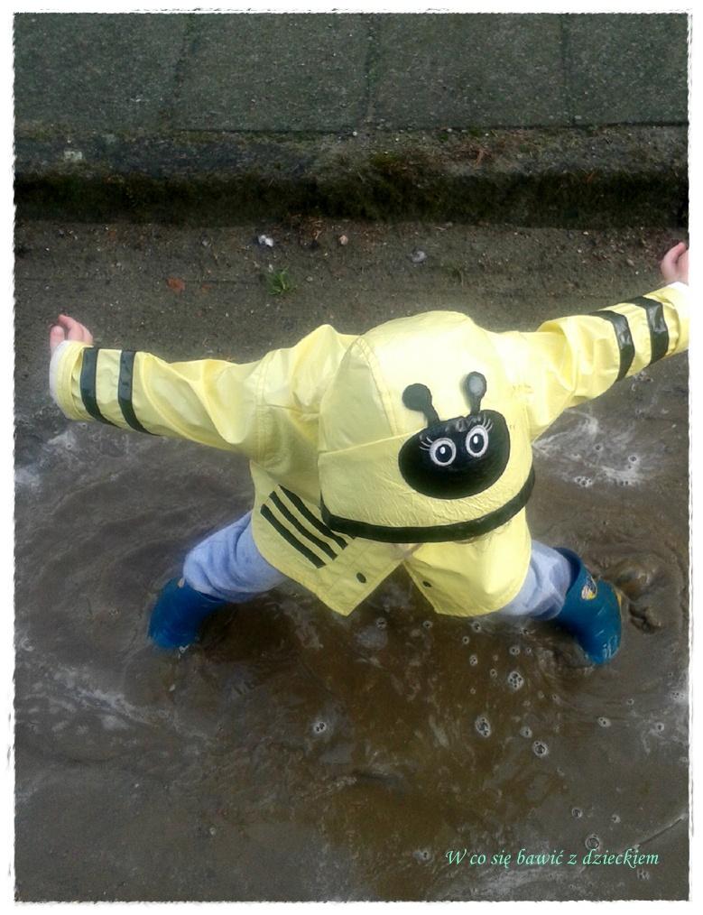 W Co Się Bawić Z Dzieckiem Spacer W Ciepłym Letnim Deszczu
