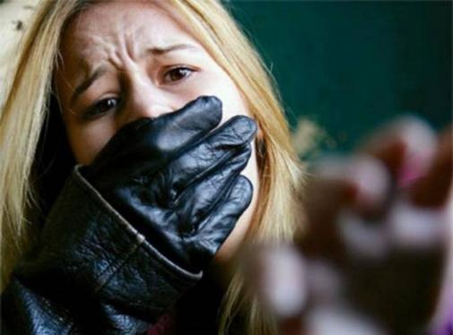 Σάμο:Με κύκλωσαν και προσπάθησαν να με βιάσουν 5 άτομα