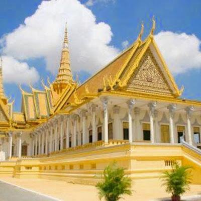 Thưởng thức tour du lịch Campuchia đến đồi BaKheng cao 65 mét