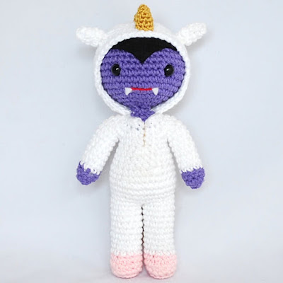 amigurumi-hugo-vampiro-unicornio-patrón-halloween