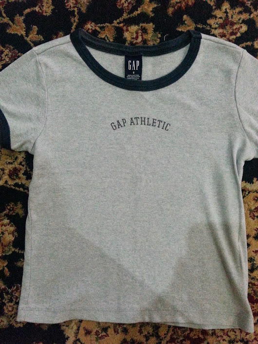 MAY011 GAP TSHIRT