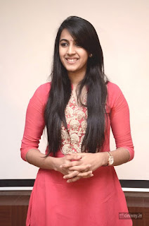 Niharika-Konidela-Stills-at-Oka-Manasu-Movie-Interview