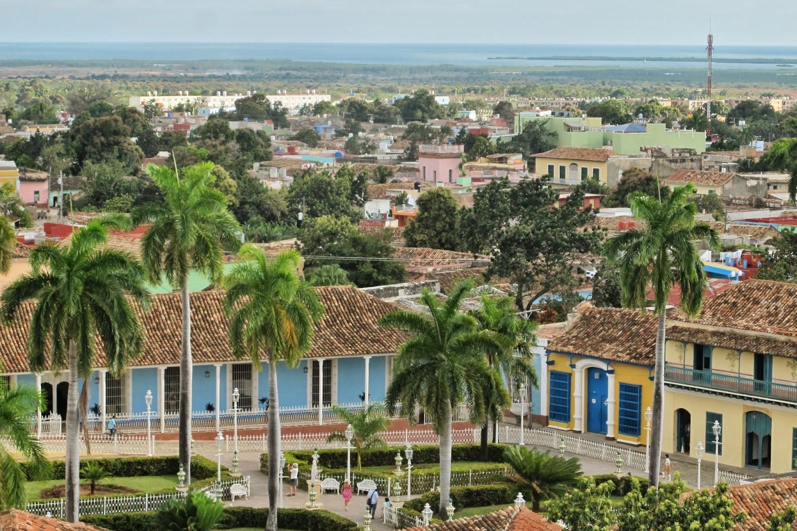 Plaza MAyor, vista do campanário do antigo mosteiro, no Centro histórico de Trinidad, em Cuba.