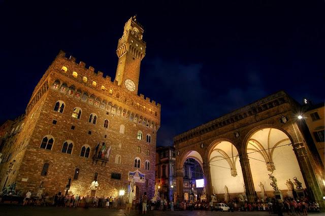 Palazzo Vecchio durante a noite