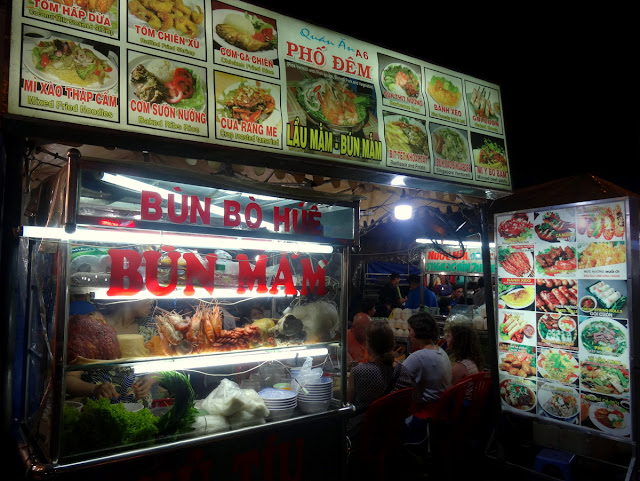 Street Food Ben Thanh Night Market in Ho Chi Minh City, Vietnam