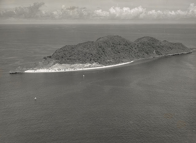 A photograph of Fortune Island off the town of Nasugbu taken in 1935.  Image source:  United States National Archives.