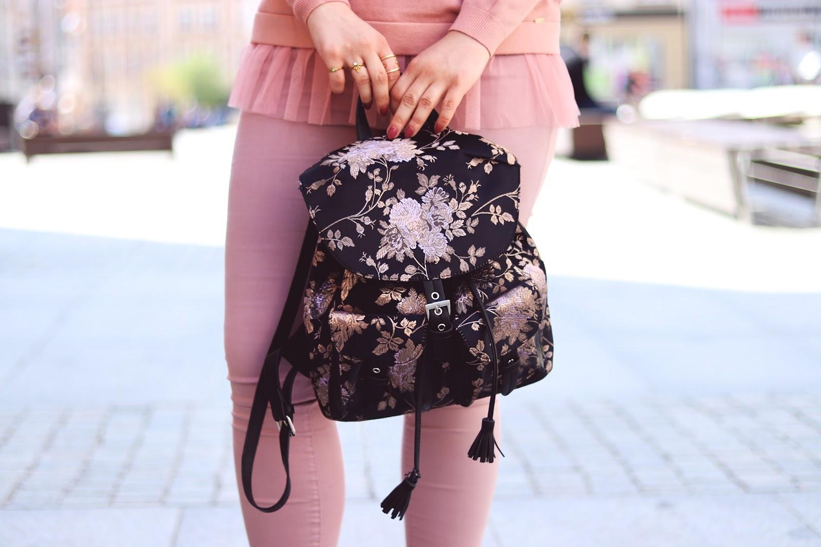 Plecak w kwiaty Cropp