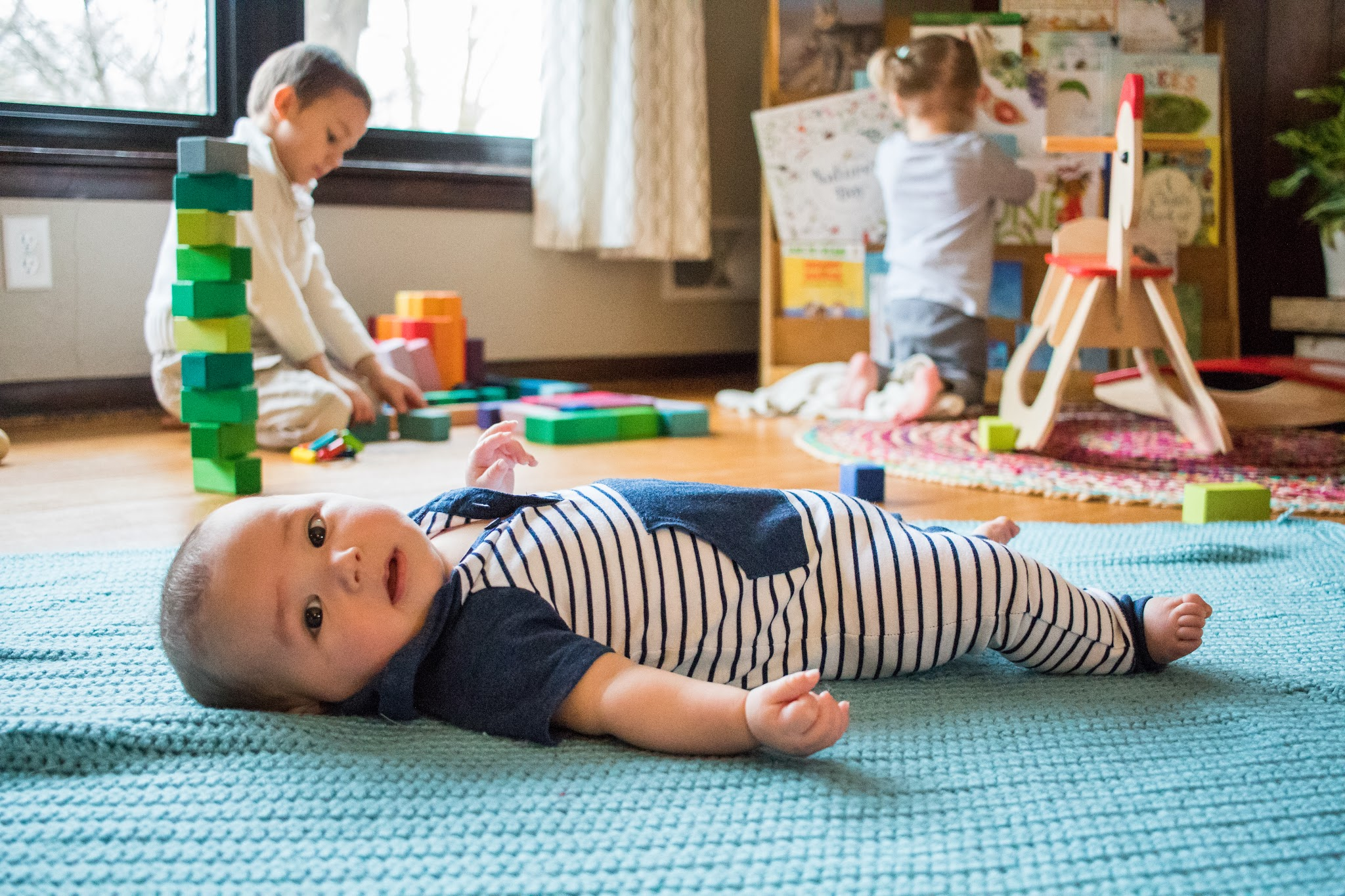 5 Montessori baby activities that you can do with your baby at home today!