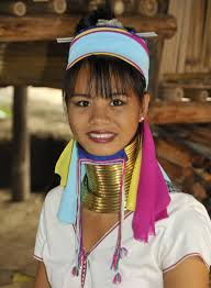 Long-Neck-Ladies-Myanmar-Thailand