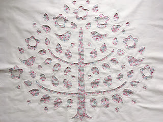 reverse applique tree pillow Tilda Sewing by Heart Tone Finnanger