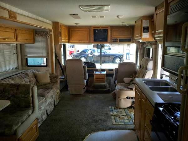 Rv Diesel Generator >> Used RVs For Rent RV Class A Fleetwood Bounder For Sale by ...