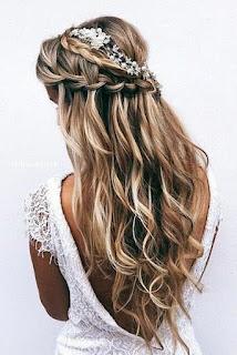 Model Rambut Panjang Wanita ketujuh