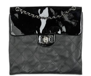 CHANEL-BLACK-CR0SS-BODY-BAG-not-a-replica