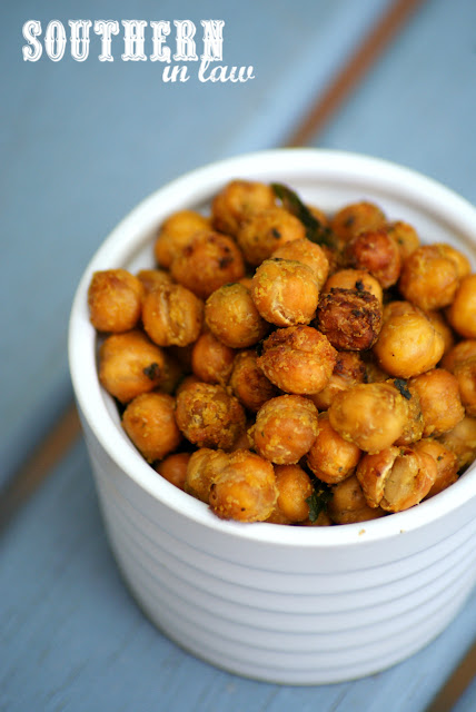 Healthy Italian Garlic and Herb Roasted Chickpeas Recipe - gluten free, grain free, vegan, egg free, peanut free, sugar free, healthy snack recipes, clean eating recipe, low fat, 21 day fix