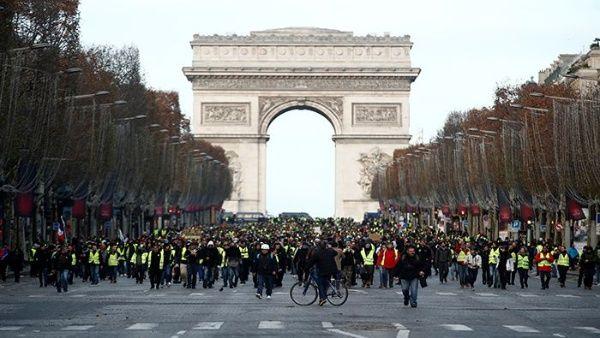 ¿Por qué siguen marchando los Chalecos Amarillos en Francia?