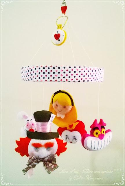 móbile-Alice no país das Maravilhas-em feltro-Alice in Wonderland-in felt