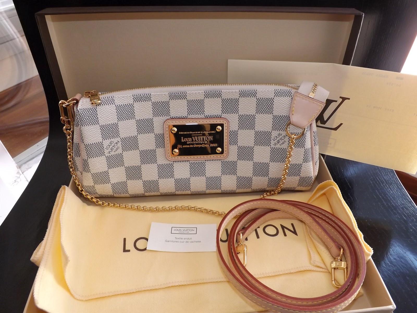 3a057d81ea3e the fashion butler  Louis Vuitton pochette eva damier azur