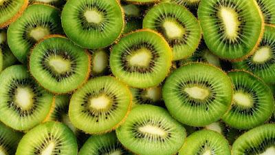 El kiwi también es un alimento rico en luteína y zeaxantina, compuestos presentes en el pigmento macular.