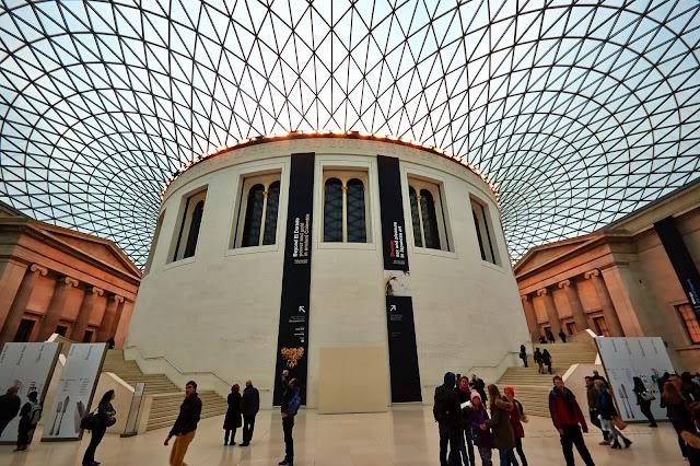 British museum w Londynie w środku jak wygląda?