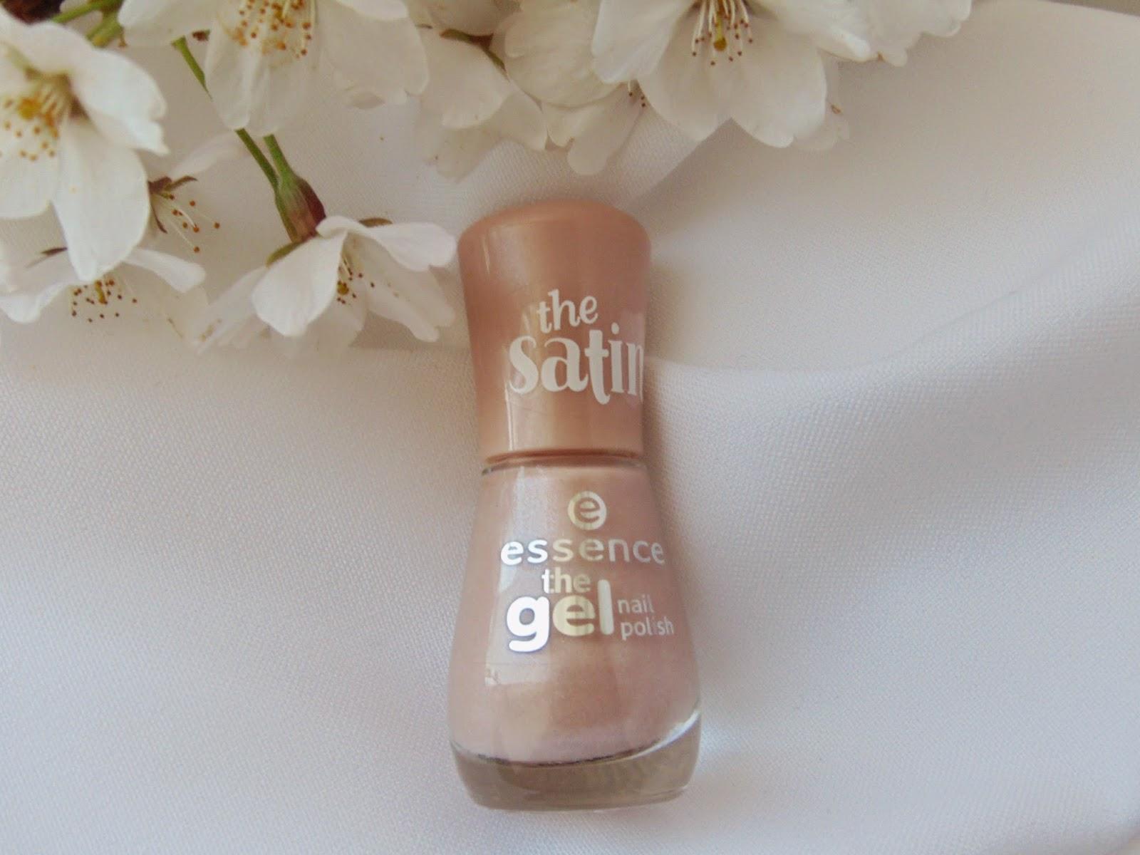 Essence - the Gel Nail Polish - 35 Engaged - www.annitschkasblog.de