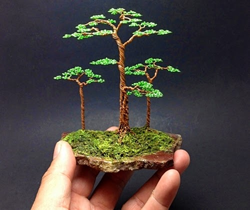 10-Ken-To-aka-KenToArt-Miniature-Wire-Bonsai-Tree-Sculptures-www-designstack-co
