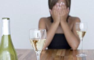 Perlu Mengenal Drinkorexia Yaitu Masalah yang Buat Penderita Pilih Minum dibanding Makan