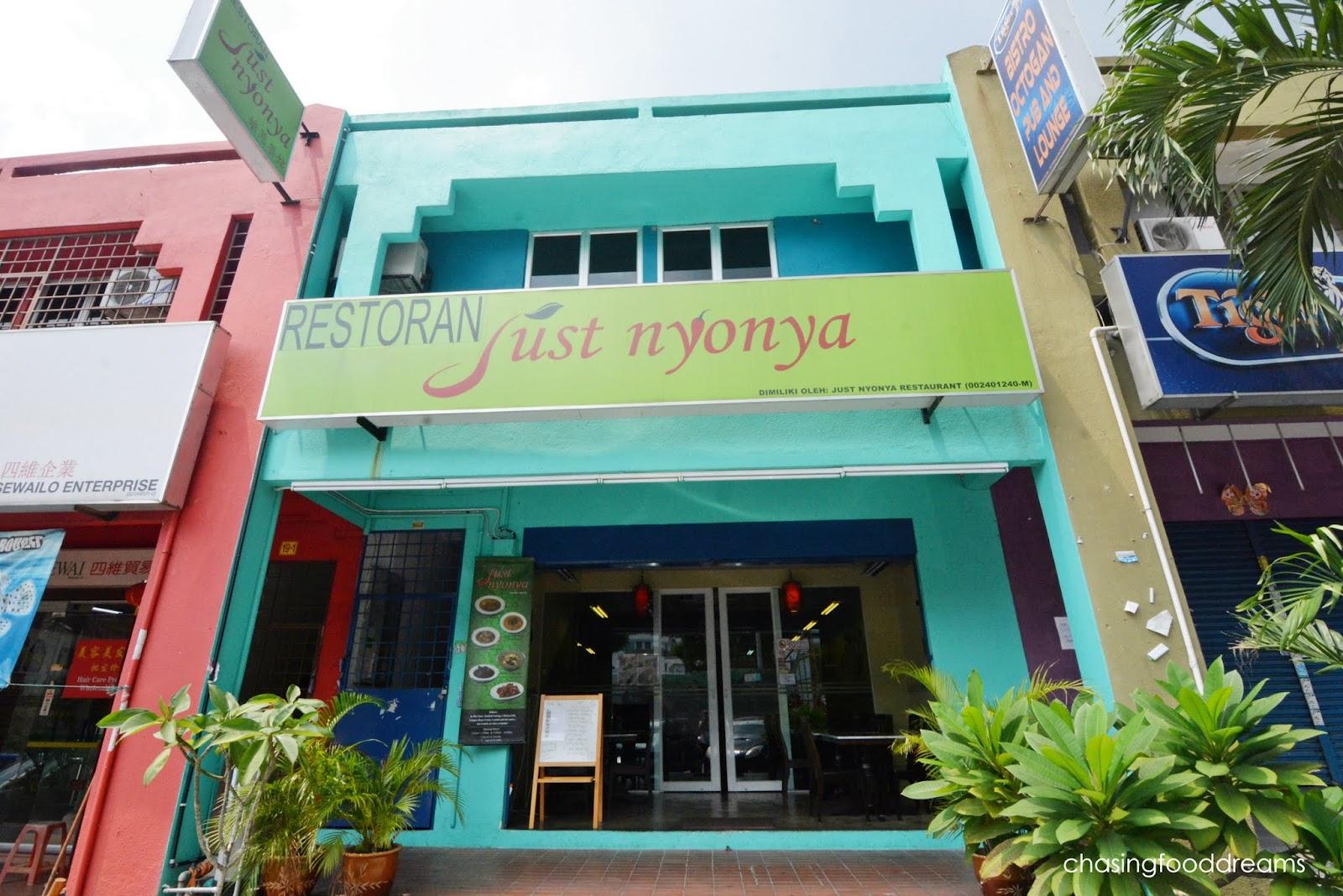 CHASING FOOD DREAMS: Just Nyonya @ Bandar Menjalara, Kepong