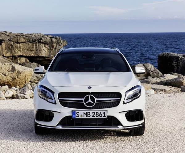 2018 Mercedes‑AMG GLA45 Extremely Agile, Handcrafted 2.0L Turbo Engine