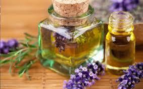 Cách tri nam bang mat ong với tinh dầu oải hương