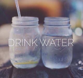 Korzyści  picia wody… zwłaszcza latem!