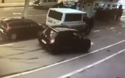 З'явилося відео, як українські прикордонники пропустили авто з героїном