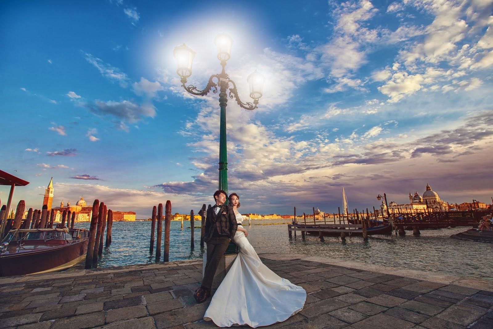 水上之都的威尼斯非常美,我們真心推海外婚紗推薦,在布拉格PRAGUE拍婚紗,我們會帶您到私密拍攝景點,威尼斯婚紗必拍景點,威尼斯婚紗,義大利婚紗,台北租禮服推薦,我們還去拍了共多拉船,聖母院,嘆息橋,總督宮清晨,麥桿橋,聖馬可廣場,彩虹島