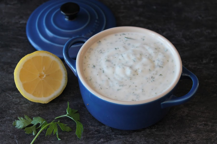 Salsa de yogur para kebap o shawarma sin lactosa