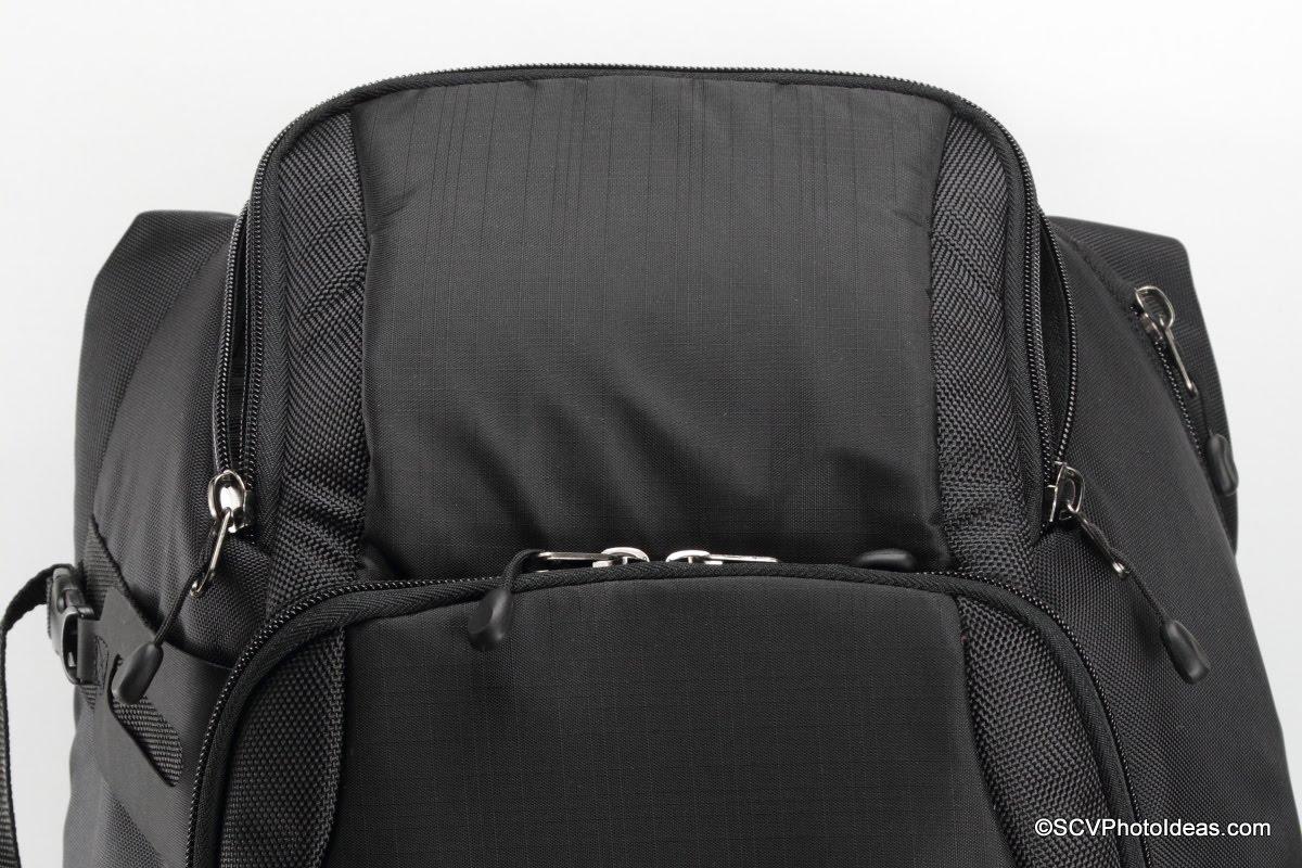 Case Logic DSB-103 top compartment zippered lid
