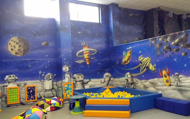 Malowanie sali zabaw, malowanie bawialni, artystyczne graffiti w bawialni