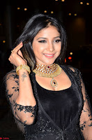 Sakshi Agarwal looks stunning in all black gown at 64th Jio Filmfare Awards South ~  Exclusive 013.JPG