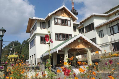 Hotel Mount Siniolchu Gangtok is a splendid property to reside during holidays in Sikkim.