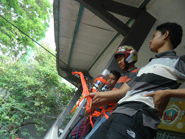 "Uji Adrenalin  ""Flying Fox"" di UMK"