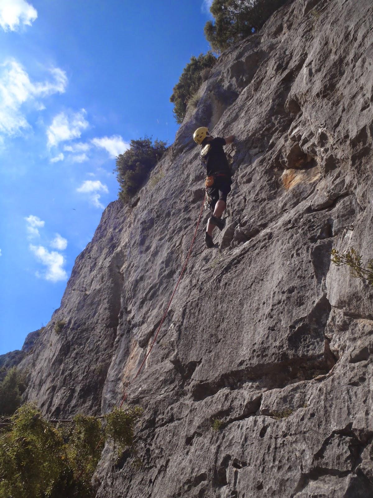 Amy Rose Sin Ropa cursos de escalada | casa martinberika