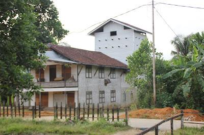 Rumah Digabung Dengan Rumah Burung Walet