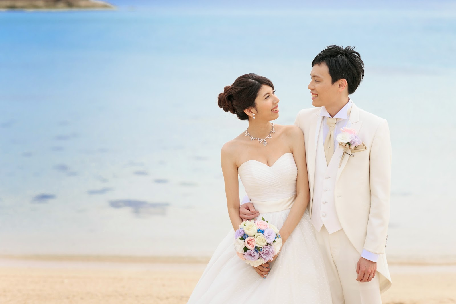Keep smiling.: 【我的超完美沖繩婚禮】Part6 海外婚禮多少錢?
