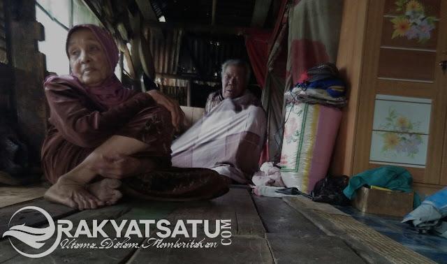 Miris! Pasutri Lansia di To'Kaluku, Bertahan Hidup di Gubuk Reot Bersama Kedua Cucunya