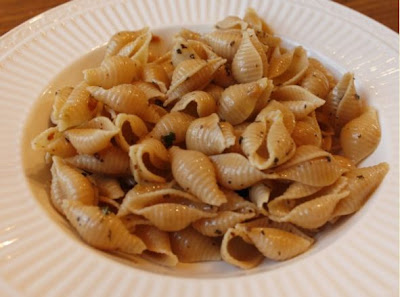 Pasta with Garlic, Herbs, and Olive Oil