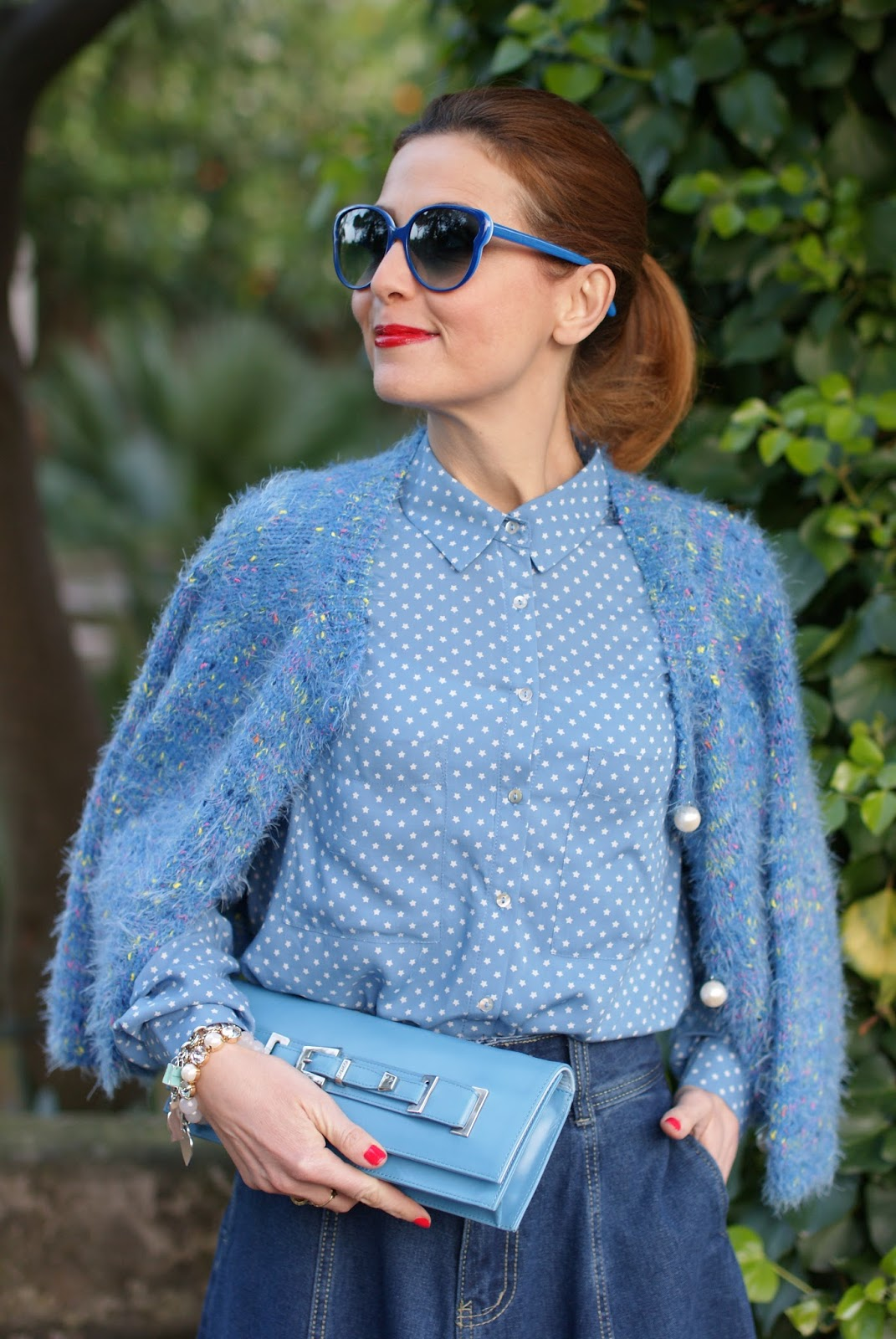 Blue serenity star print shirt on Fashion and Cookies fashion blog, fashion blogger style
