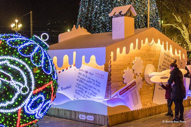 Mercado de Navidad en Bilbao, Buzón para los regalos por El Guisante Verde Project