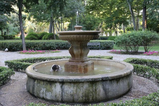 Fuente Glorieta Rafael de León