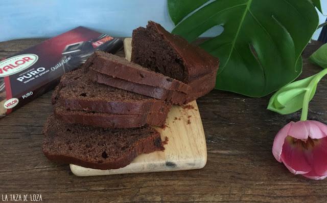 Bizcocho-fácil-con-yogur-de-chocolate